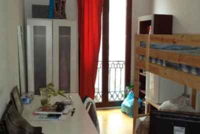 Big apartment in the centre of Barcelona with a turistic licence